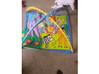 Musical baby play mat / gym