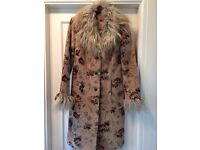 Gorgeous Vintage Ladies Coat
