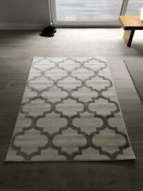 Grey / Cream Pattern Rug