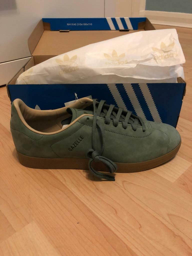 Gazelle Decon shoes size 9 brand new