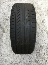 Tyre 225/40 R18 - Nearly new