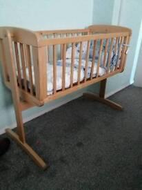 Crib and bumper brand new