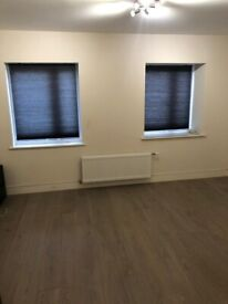 Spacious 4 bed flat company let welcome