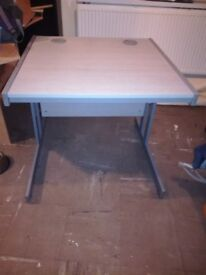 Desk - Wood - Metal -Grey
