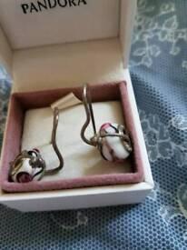 Love links earrings