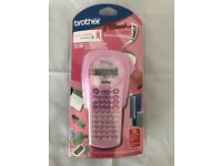 Brother p-touch 1000 Rare Pink Handheld Label printer/maker/machine Brand New&Sealed!