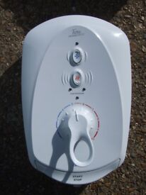 Electric Shower Plus Riser Kit, Triton T100E Thermostatic Care 8.5Kw, ***REDUCED, LIKE NEW***