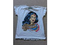 Girls 9-10yr t-shirts, great condition from pet and smoke free home