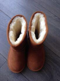 Chestnut boots infant size 12