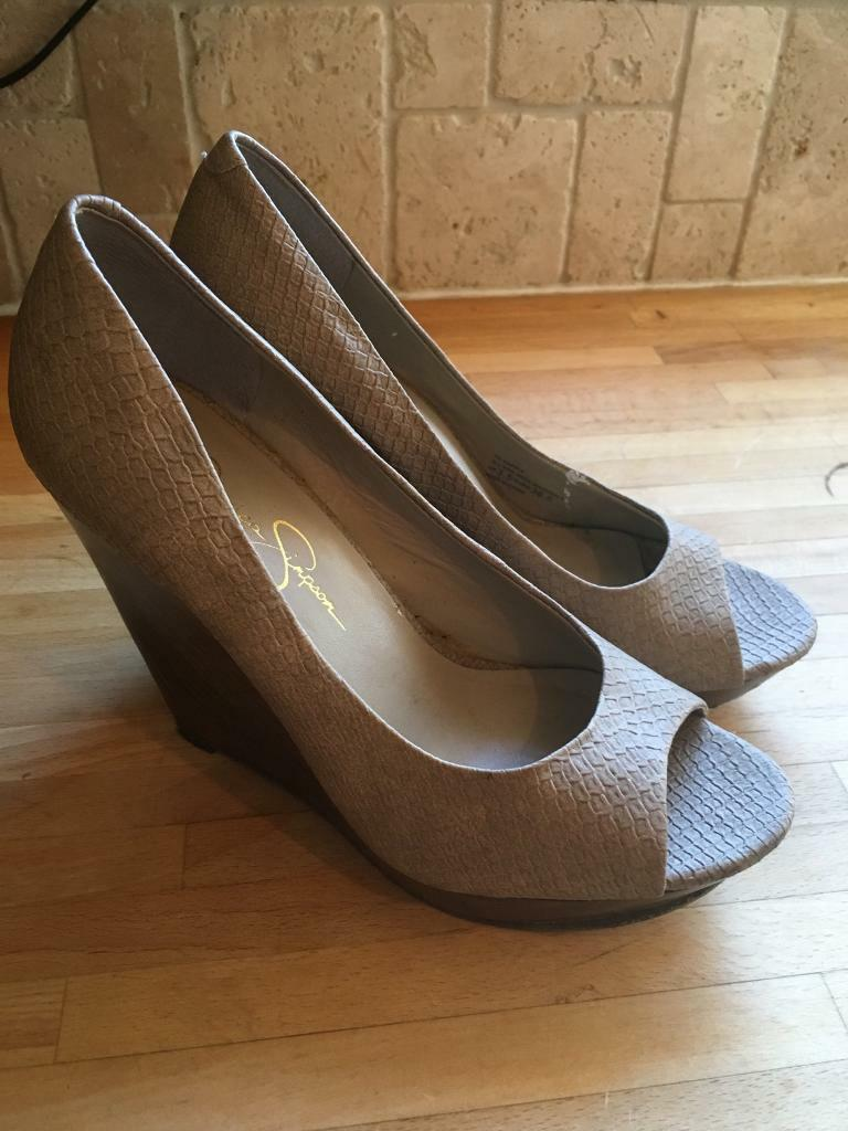 Jessica Simpson size 3.5 wooden wedge peep toe heels