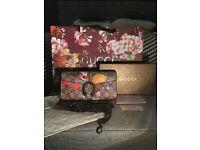 Stunning Gucci dionysus chain wallet