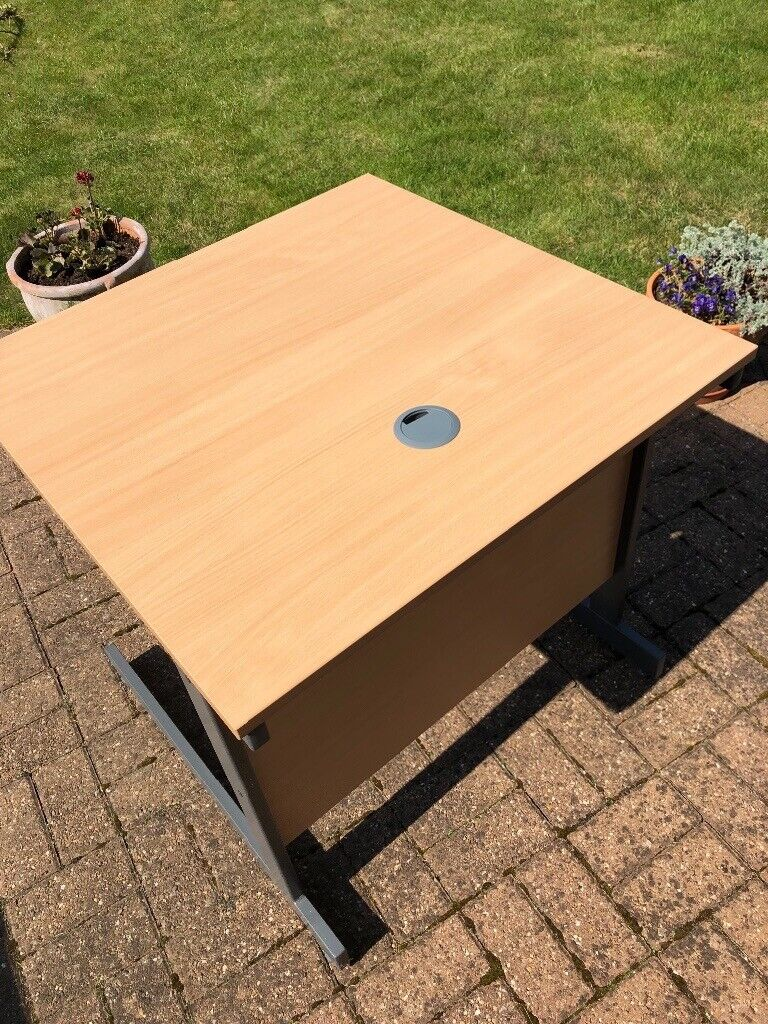Small Office Table In Radcliffe On Trent Nottinghamshire Gumtree