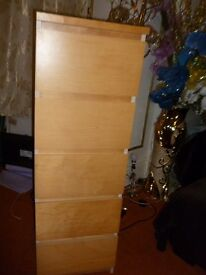 Chest of 5 drawers can arrange local delivery for a small fee