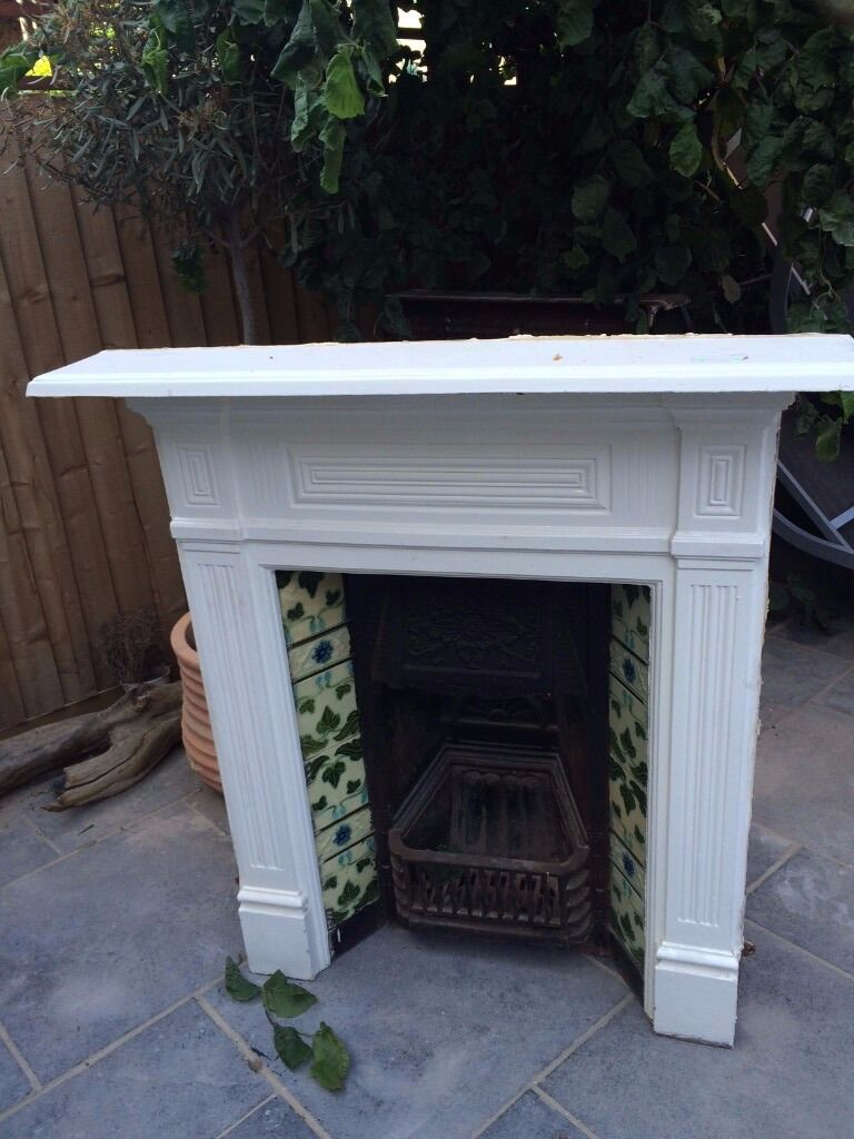 Two Good Quality Edwardian Fireplaces for sale - Two Good Quality Edwardian Fireplaces For Sale In East Dulwich