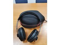 Sennheiser Momentum Over Ear Headphones including Hard Case and Original  Cables - £90 efe0fe93d176