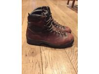 Scarpa walking boots size 13