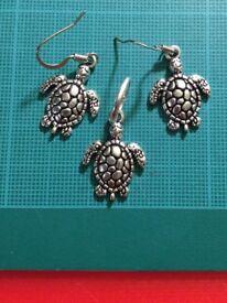 Silver Hypoallergenic Turtle Necklace &Earrings set. £9.95
