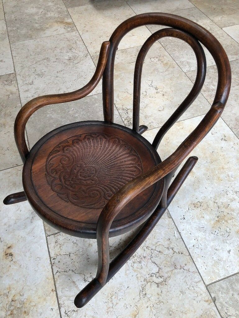 Childs Vintage / Antique Bentwood Rocking Chair Made by FISCHEL Beautiful  Condition - Childs Vintage / Antique Bentwood Rocking Chair Made By FISCHEL