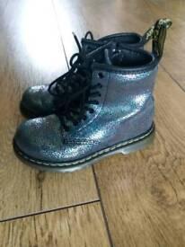 Girls size9 silver sparkly Airwalk DM boots