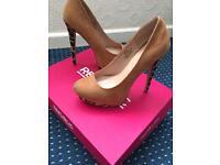BNIB Tan And Leopard heels size 4