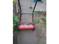 Hand lawn mover