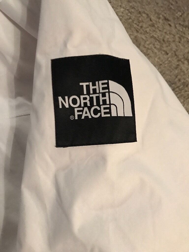 North face coatin Chester Le Street, County DurhamGumtree - For sale mens north face coat size large only worn a few times so excellent condition collect Chester le street