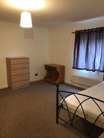 Double room, 3 double rooms £110-£135 per week