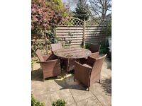 4 seater rattan garden set (to refurbish)