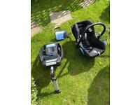 Maxi-cosy baby infant car seat with permanent isofix base, for quick release seat / ease hardly used