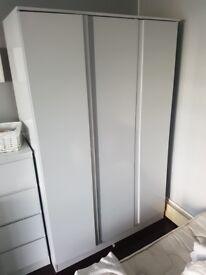 3 door white gloss warderobe