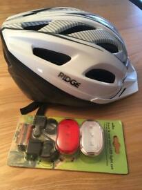 Ridge Cycle Helmet (58-61cm) & Light Set