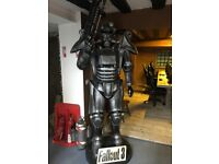 Fallout 3 Brotherhood of Steal Promotional Statue