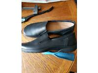 Lady's brand new size 8 hotter shoes