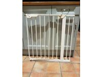 Free mothercare stair gate ****no fittings included **