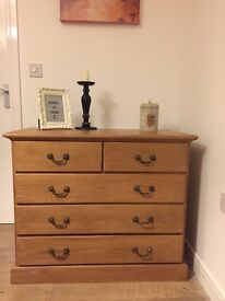 Very solid unique oak wood chest of drawers