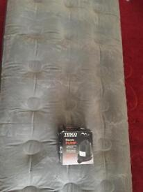 Single air bed with pump in excellent condition