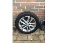 Nissan Juke alloy with tyre