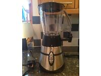 Russell Hobbs smoothly maker with ice crushing blades