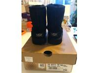 Ugg classic boots black size 6