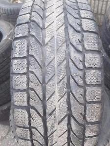 4 PNEU HIVER - BF GOODRICH 195 60 15 - WINTER TIRE