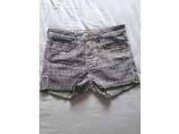 Shorts / Green and grey / HM / Size S / Used