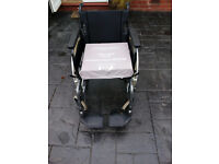 Invacare 2000 Echo + self propelled wheelchair