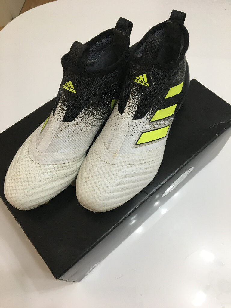 7b304ac2d496 ... next level with this model. paul pogba juan mata james rodriguez and  mes 82644 bb52d  new zealand adidas ace17 purecontrol fg laceless football  boots ...