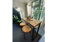 Industrial breakfast table and stools