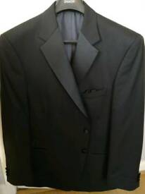 Complete dinner suit