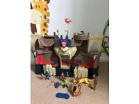 Knights play set
