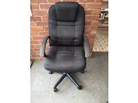 OFFICE SWIVEL CHAIR - BLACK FABRIC - ON CASTERS & WITH ARM RESTS