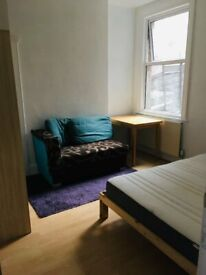 Double Room Available from 17/02/21(SW16)