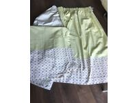 """Green pair of blackout curtains size 104""""x 60"""" drop (208"""" both panels) vgc"""
