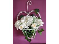 4x beautiful artificial flowers heart baskets
